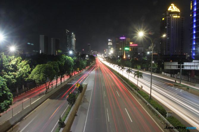 Menikmati Warna-warni Jakarta dari Jalan Tol Lingkar Luar