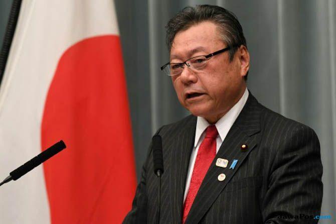 Yoshitaka Sakurada, Menteri Jepang Yoshitaka Sakurada, Menteri Tak Mengerti Komputer
