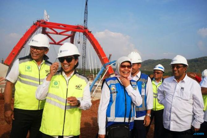 Menteri Rini Minta Proyek Tol Pejagan-Semarang Dikebut Akhir Tahun Ini