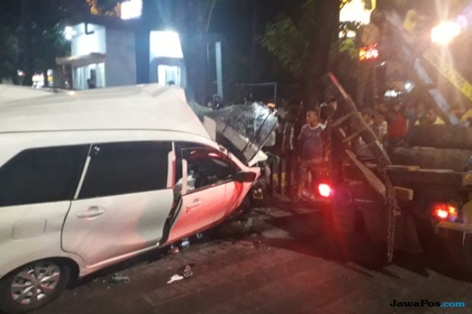 Mobilnya Ditabrak KA, Pengemudi Avanza: Sumpah Saya Nggak Nyelonong