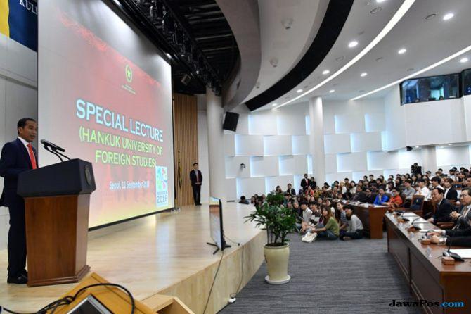Nasionalis, Jokowi Berbahasa Indonesia Saat Beri Kuliah Umum di Korsel