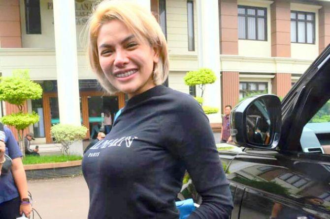 Nikita Mirzani Sebut Uangnya Ratusan Juta Rupiah masih di Mantan Manajer Olga Syahputra, Mak Vera