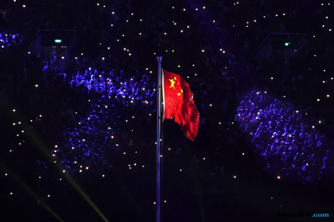 Asian Games 2018, Closing Ceremony, Tiongkok, Pengibaran Bendera Tiongkok