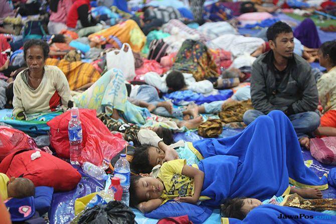 Pengungsi Tsunami Anyer Masih Membutuhkan Makanan dan Obat-obatan