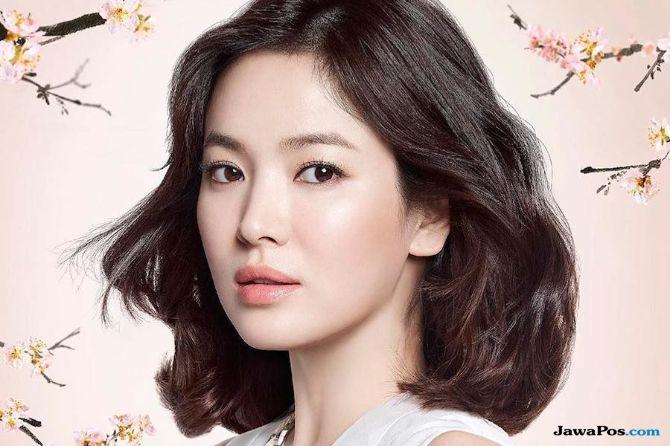 Perkenalkan Sejarah Korea, Song Hye Kyo Sumbang 10.000 Pamflet