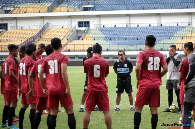 Persela Lamongan, Liga 1 2018, Arema FC, Aji Santoso