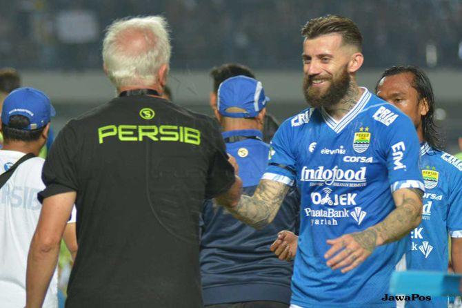 Persib Bandung, Liga 1 2018, Mitra Kukar, Bojan Malisic, Hariono