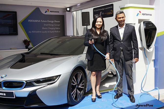 Pertamina dan BMW Siapkan Dispenser Pengisian Baterai Mobil Listrik