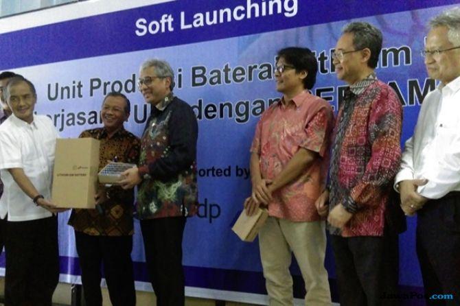Pertamina-UNS Jalin Kerja Sama Produksi Batre Lithium Ion Murah