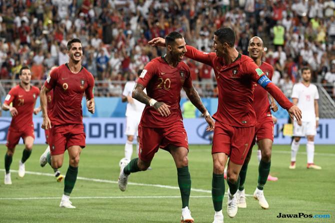 c37c1577a2e52 Portugal Unggul Lewat Gol Cantik Ricardo Quaresma di Babak Pertama