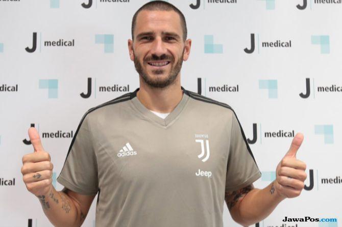 Bursa transfer pemain, Juventus, AC milan, Gonzalo Higuain, Leonardo Bonucci, Mattia Caldara