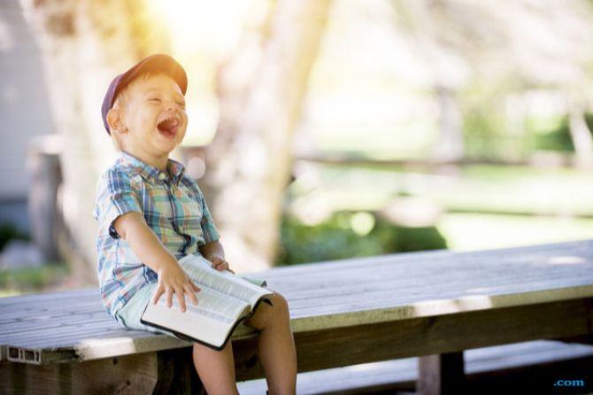 Punya Selera Humor Tinggi, 5 Zodiak Ini Bikin Hidup Suasana