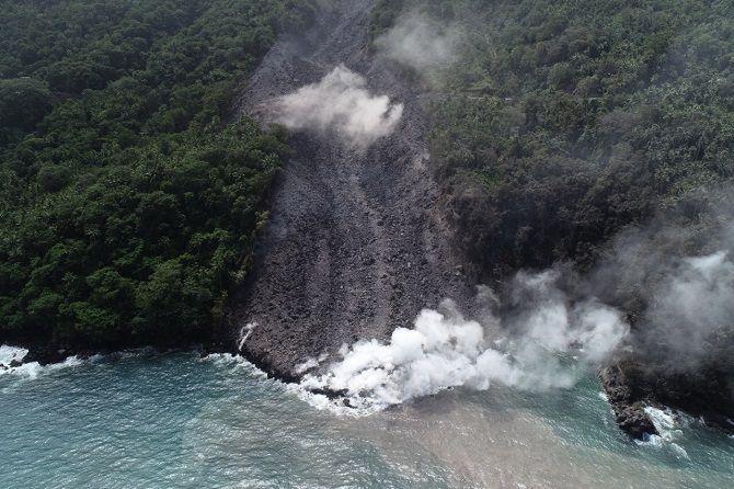 PVMBG Tetapkan Zona Bahaya Gunung Karangetang Sulut Radius 2,5 KM