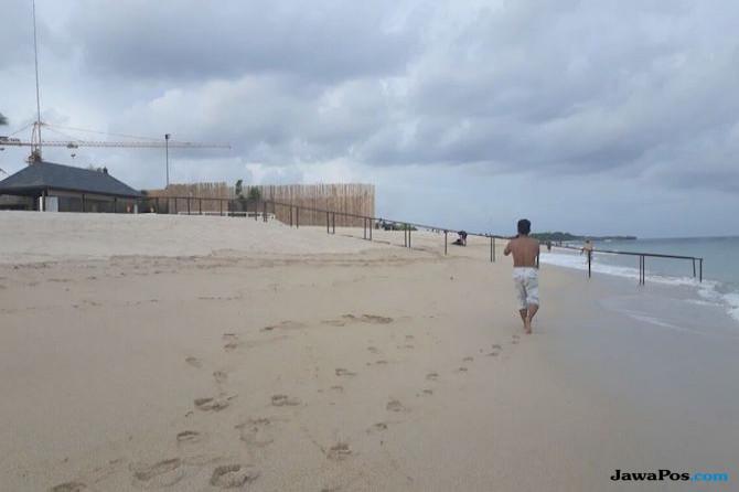 Raja Salman Dua Kali Mandi di Pantai, Kami Disuruh Tiarap