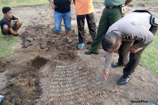 Ratusan Amunisi dan Selonsong Peluru Ditemukan Tertimbun  di Lapangan