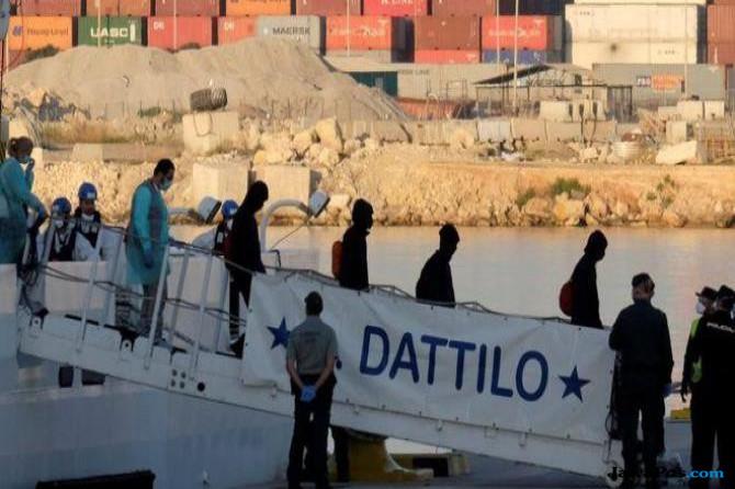 Ratusan Migran Telah Tiba di Spanyol Usai Ditolak