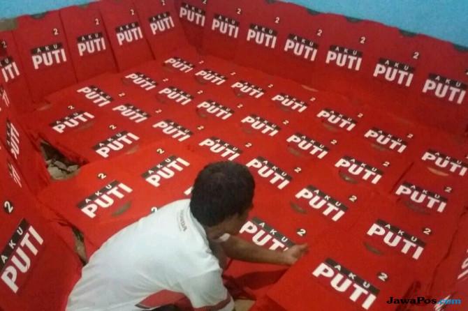 Relawan PABJ Bikin Kaos Gus Ipul-Puti dari Kantong Sendiri