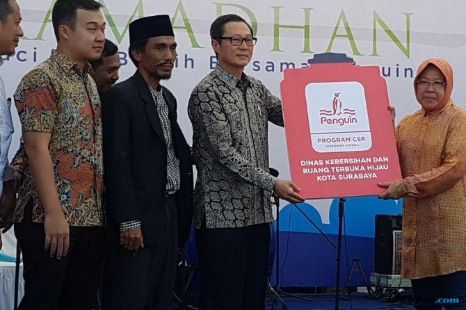 Risma Mengajak Anak Rajin Beribadah ke Masjid