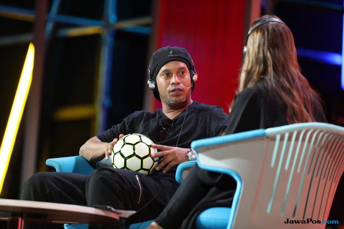 Ronaldinho, Ronaldinho Sekolah Sepak Bola, Ronaldinho Arab Saudi