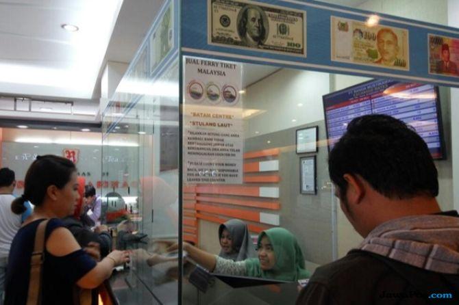 Rupiah Lemah, Transaksi Penukaran Uang di Batam Biasa Saja