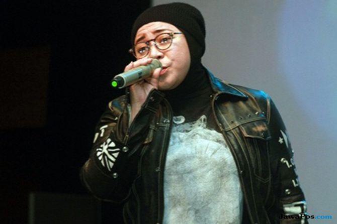 Sahabat Inspirasi Melly Goeslaw Tulis Lagu untuk Dancing in The Rain