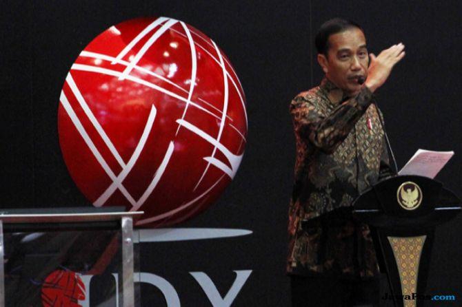 Sambut Pidato Jokowi, IHSG Dibuka Melemah ke Level 5.788 Poin