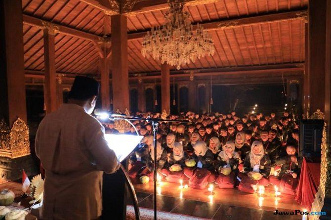 Sampai Larut, Prabowo 'Ceramahi' 300 Kader Muda Gerindra di Hambalang