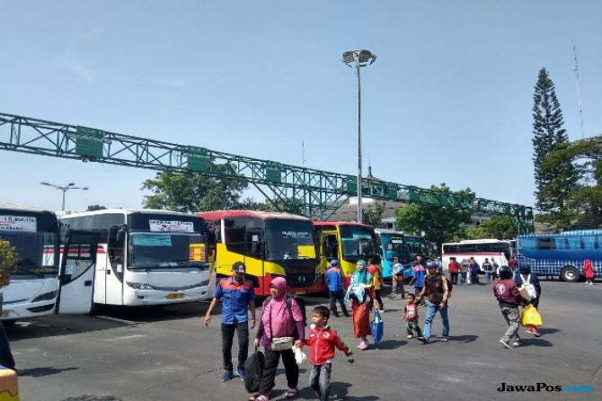Sejak H-7 Terminal Leuwi Panjang Bandung Terus Dipadati Pemudik