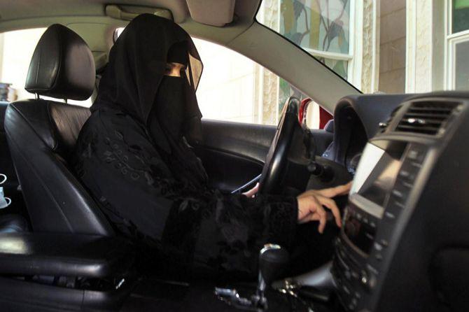 Seribu Perempuan Melarikan Diri dari Saudi Per Tahun