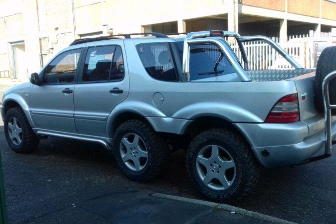 SUV 6 Roda Pertama Mercedes-Benz, Lebih Panjang dan Fungsional