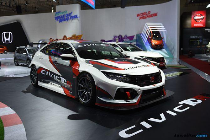 Tampang Garang Honda Civic TCR 2018 Rampas Perhatian Pengunjung GIIAS