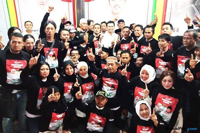 Tanpa Syarat, Ratusan Relawan Berikrar Dukung Khofifah-Emil