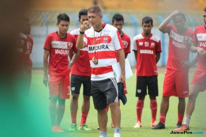 Liga 1 2018, Madura United, Gomes de Oliviera