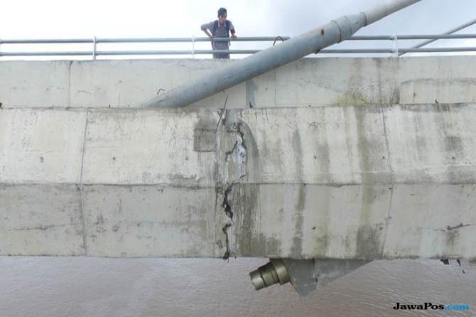 Tenang, Jembatan Mahkota II Aman Dilintasi