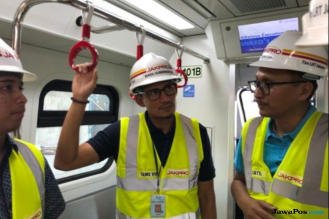 Terima Kritikan Ganjil Genap, Sandi Minta Hotman Paris Naik LRT