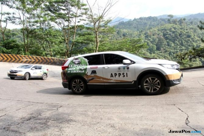 Tiba di Padang, Ekspedisi Jelajah Nusantara Sikat Jalur 1.400 Km