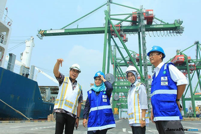 Tinjau Teluk Lamong, Puti: Jatim Gerbang Perekonomian