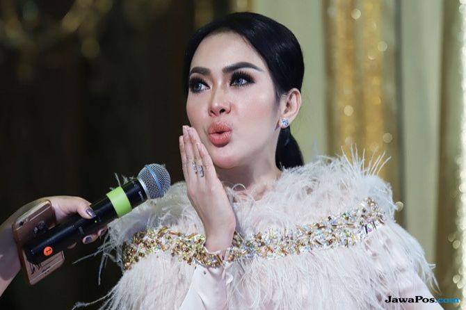 Tips Make-up Cetar saat Ngampus ala Princess Syahrini, Mau Coba?