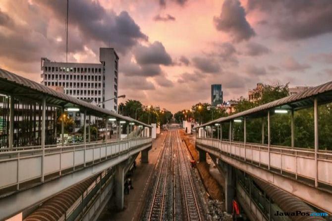 Waduh, Wanita Bangkok Tewas Saat Selfie di Stasiun Kereta