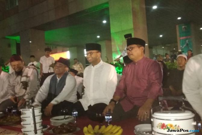 Wali Kota Jaksel Suguhkan Budaya 'Rantang' ke Anies Saat Takbiran