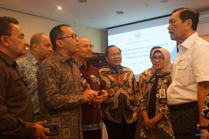 Wali Kota Makassar Paparkan Penanganan Sampah di Depan Menteri Luhut