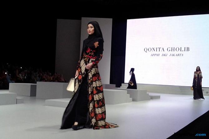 Warna-Warni Busana Syar'i di Indonesia Fashion Week 2017