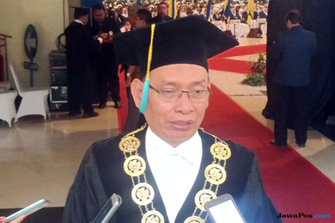 Rektor Unair Prof. M Nasih
