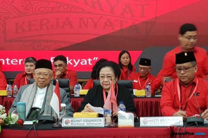 'Wuuuuu', Sorakan Kader PDIP untuk Zulhas dan Kwik Kian Gie