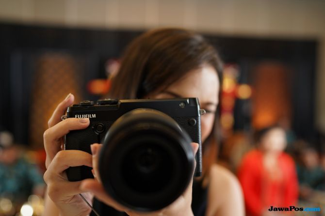 Fujifilm GFX 50R, kamera murah 2018, kamera digital murah