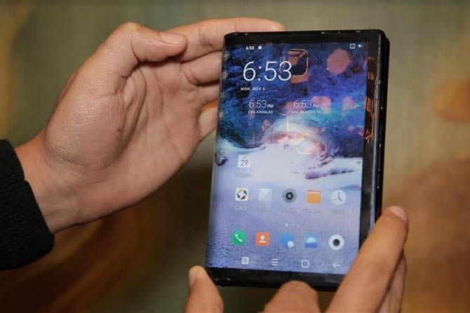 Royole FlexPai, smartphone lipat Royole FlexPai, MWC 2019 perangkat lipat