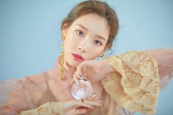 Park Bom Ungkap Keinginan Kolaborasi dengan 2 Idol K-pop, Siapa?