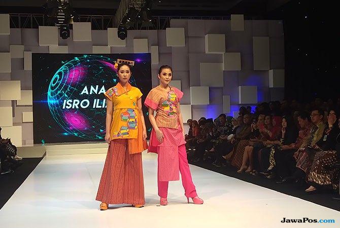 Rancangan Busana Warna Warni ini Terinspirasi dari Kampung Jodipan
