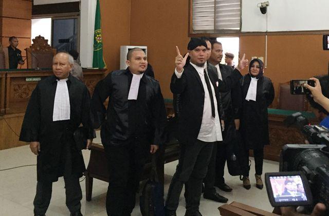 Ahmad Dhani akan Ditahan di Rutan Medaeng Hingga Sidang di Surabaya Selesai