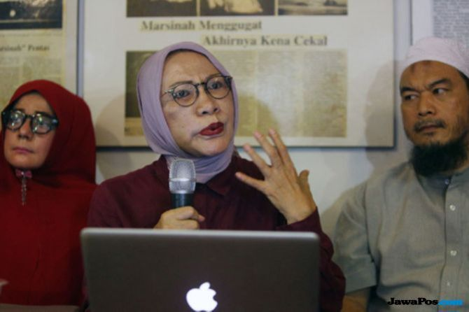 Atiqah Hasiholan Belum Jenguk Ratna Sarumpaet di Penjara